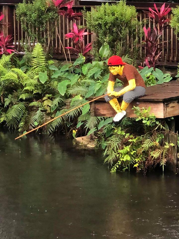 Putt-putt mini golf course at Pirate Island Hotel.   A Guide to LEGOLAND Hotels in Florida