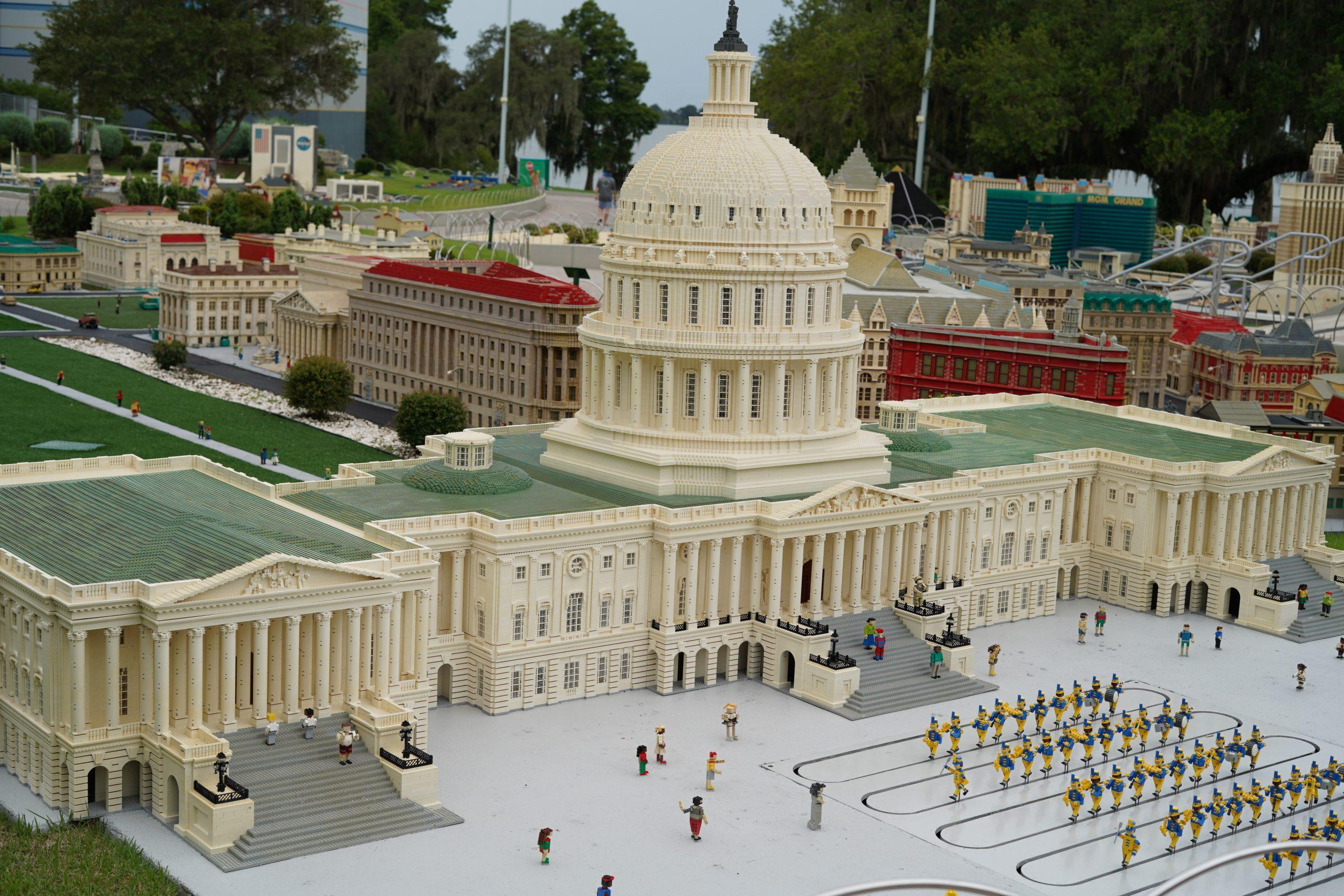 Lego White House in Miniland in LEGOLAND.  | Guide to LEGOLAND Florida